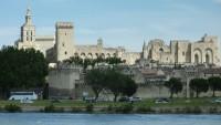 Sur le Pont d'Avignon et ses Calades