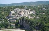 Balade commentée du village de caractère de Balazuc  Tous les mardis à 17 h du 1/07 au 25/08